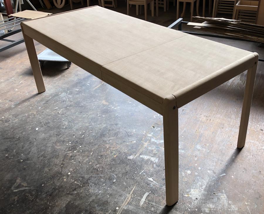 リペアダイニングテーブル再塗装
