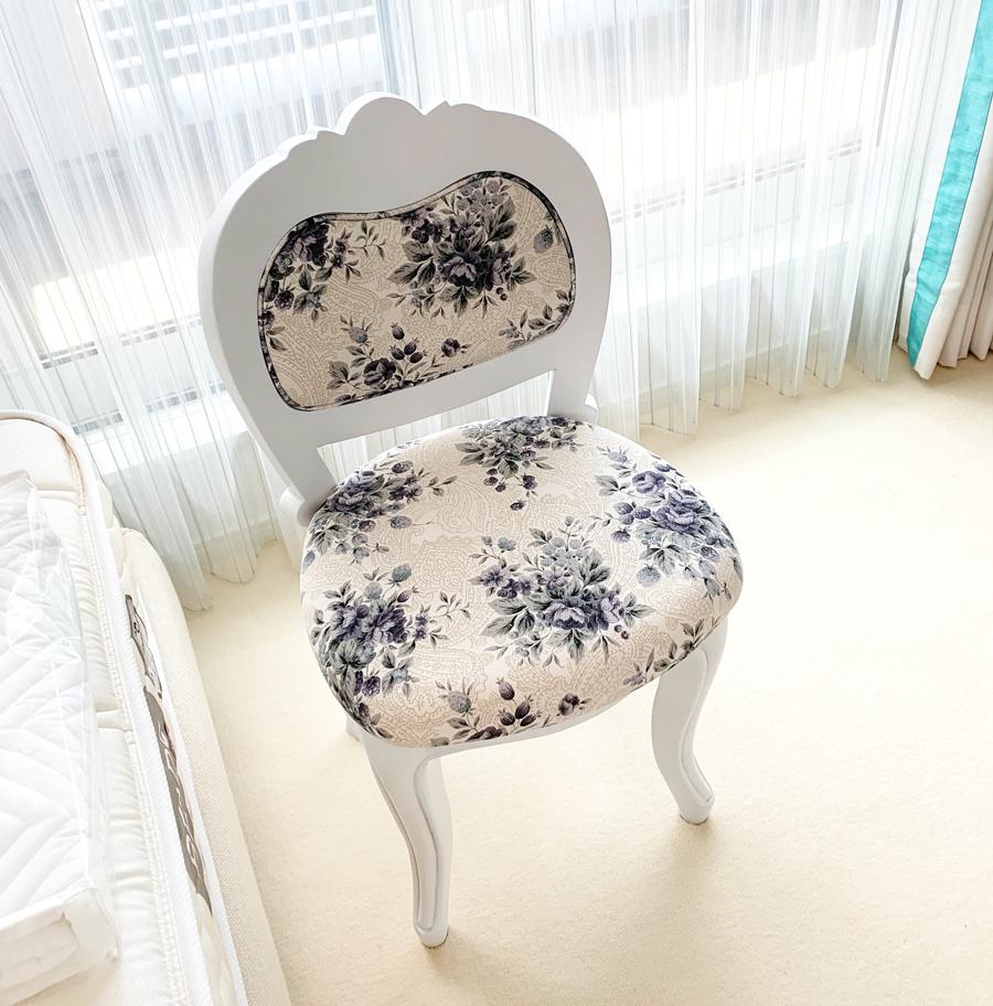 リペアした鏡台椅子