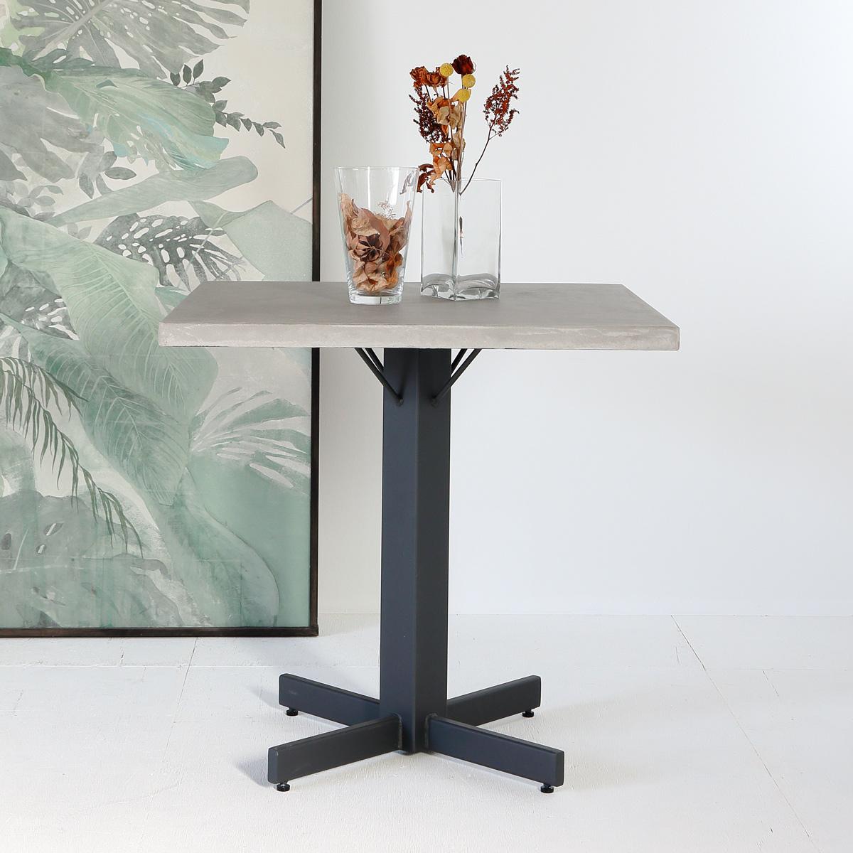 カフェ用サイズのモールテックステーブル パーソナルサイズ