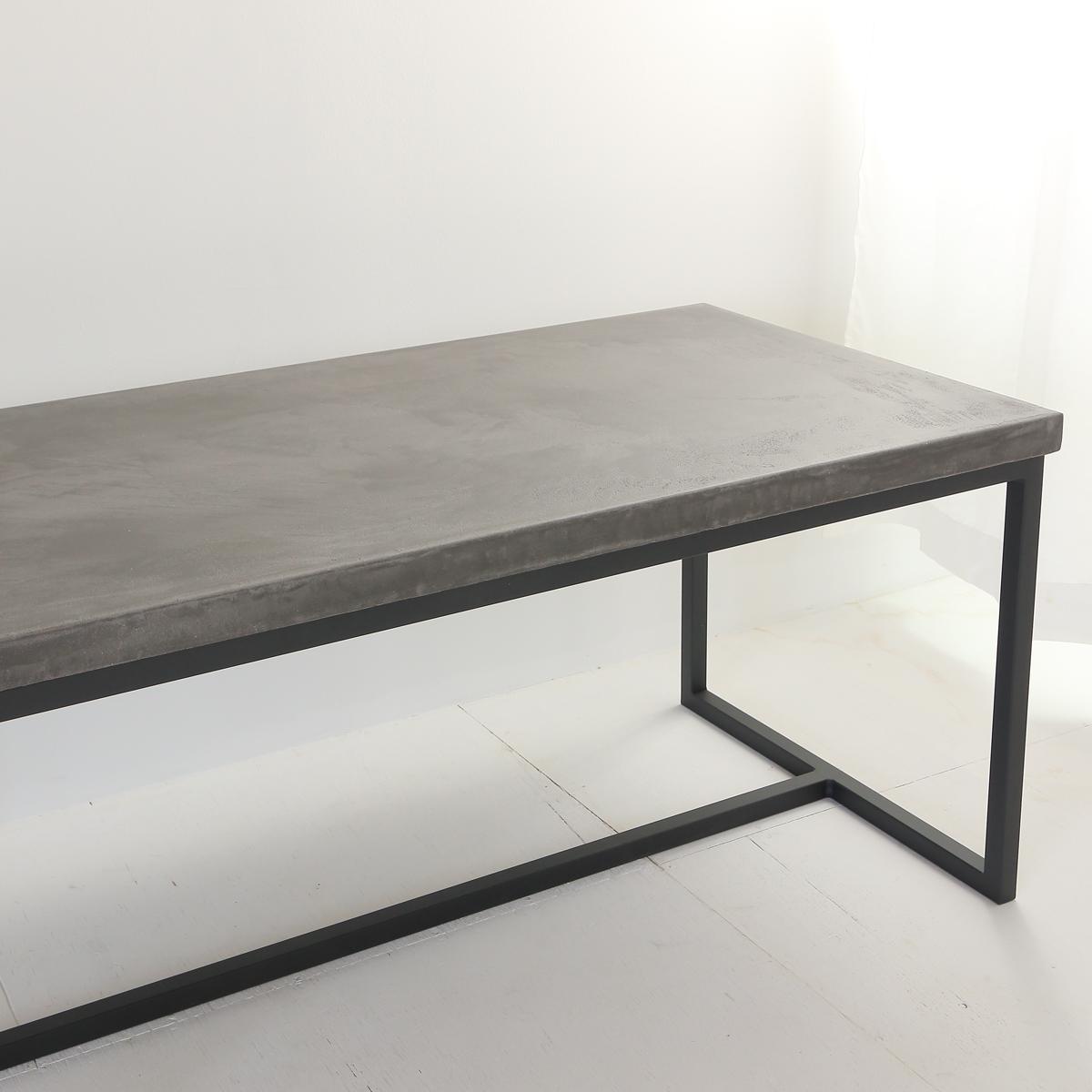 センターテーブル ベンチにも使えるモールテックス家具