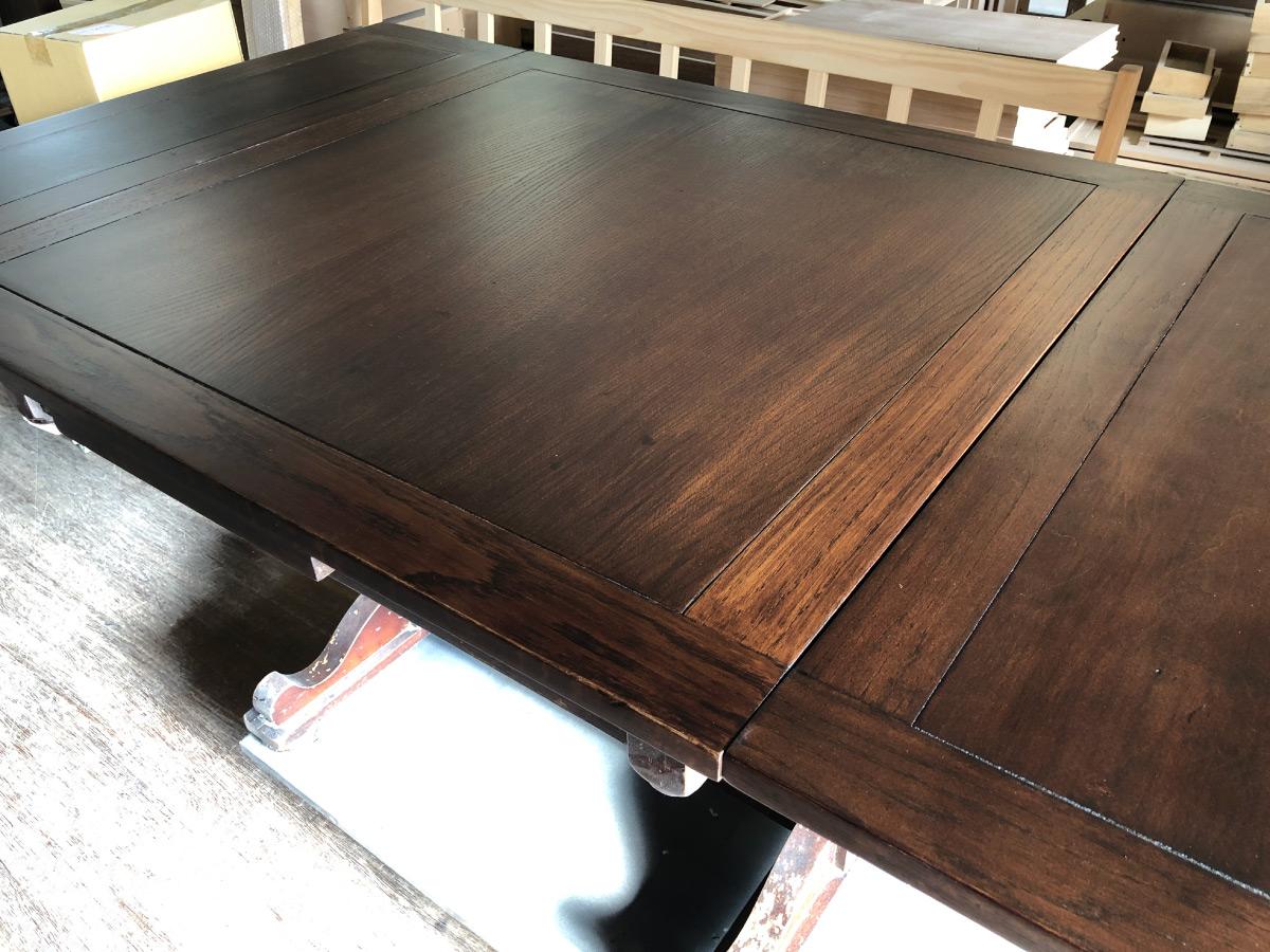 長年使えるよう再生家具テーブル補修